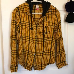 🌵 Yellow flannel with hood